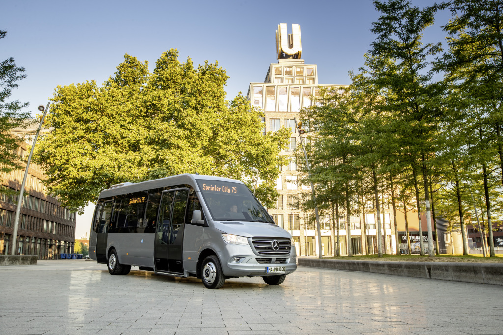 Mercedes-Benz minibuses: All good things come in threes (Pictures)