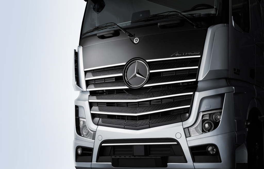 Strong presence of the new Actros: Mercedes-Benz Trucks introduces the special Edition 1 model