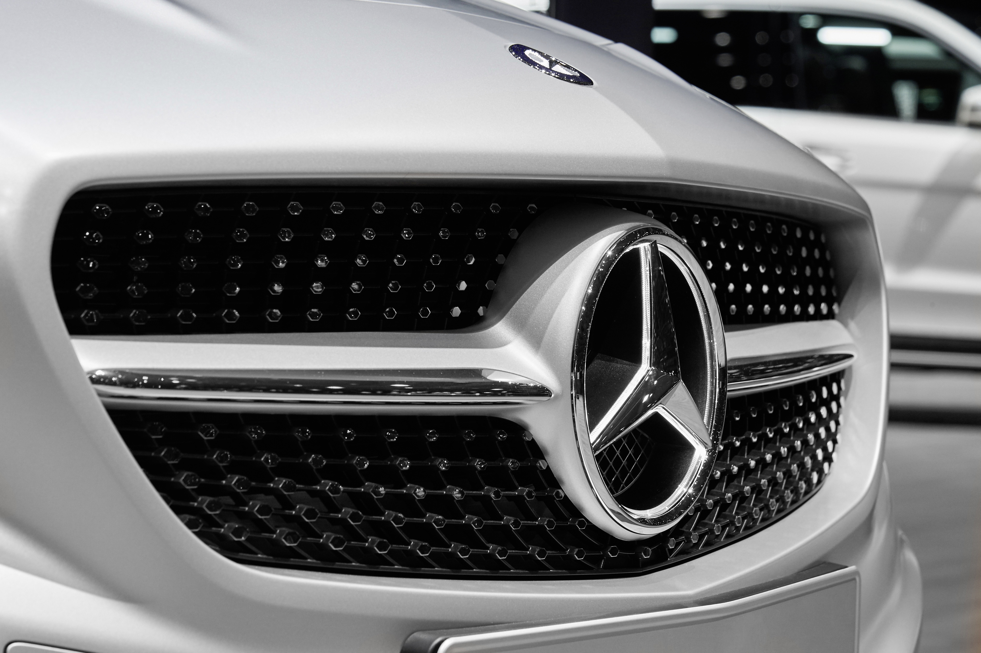 """Best Global Brands 2019"" – Mercedes-Benz is once again the world's most valuable luxury car brand"