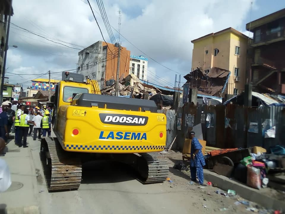 3-Storey Building Collapses In Lagos Island (Pictures)