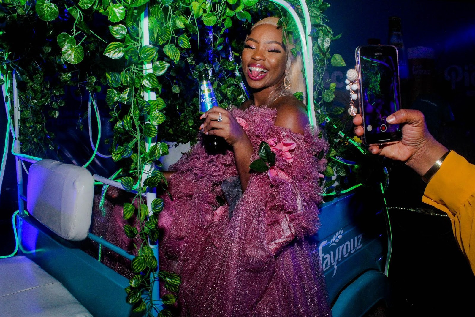 Amazing! BamBam Nails Look To Delphino Picnic With Fayrouz - Brand Spur