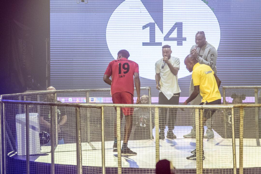 Heritage Bank Presents Cheque Of $3,000 To Winner Of African Freestyle Football Championship (Photos)