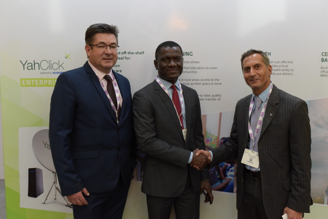 YahClick and iSAT announce partnership agreement at NigeriaCom
