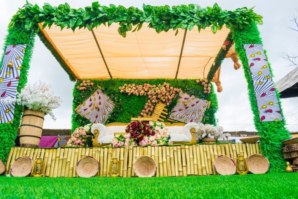 Plan Your Traditional Wedding on a Budget - Brand Spur