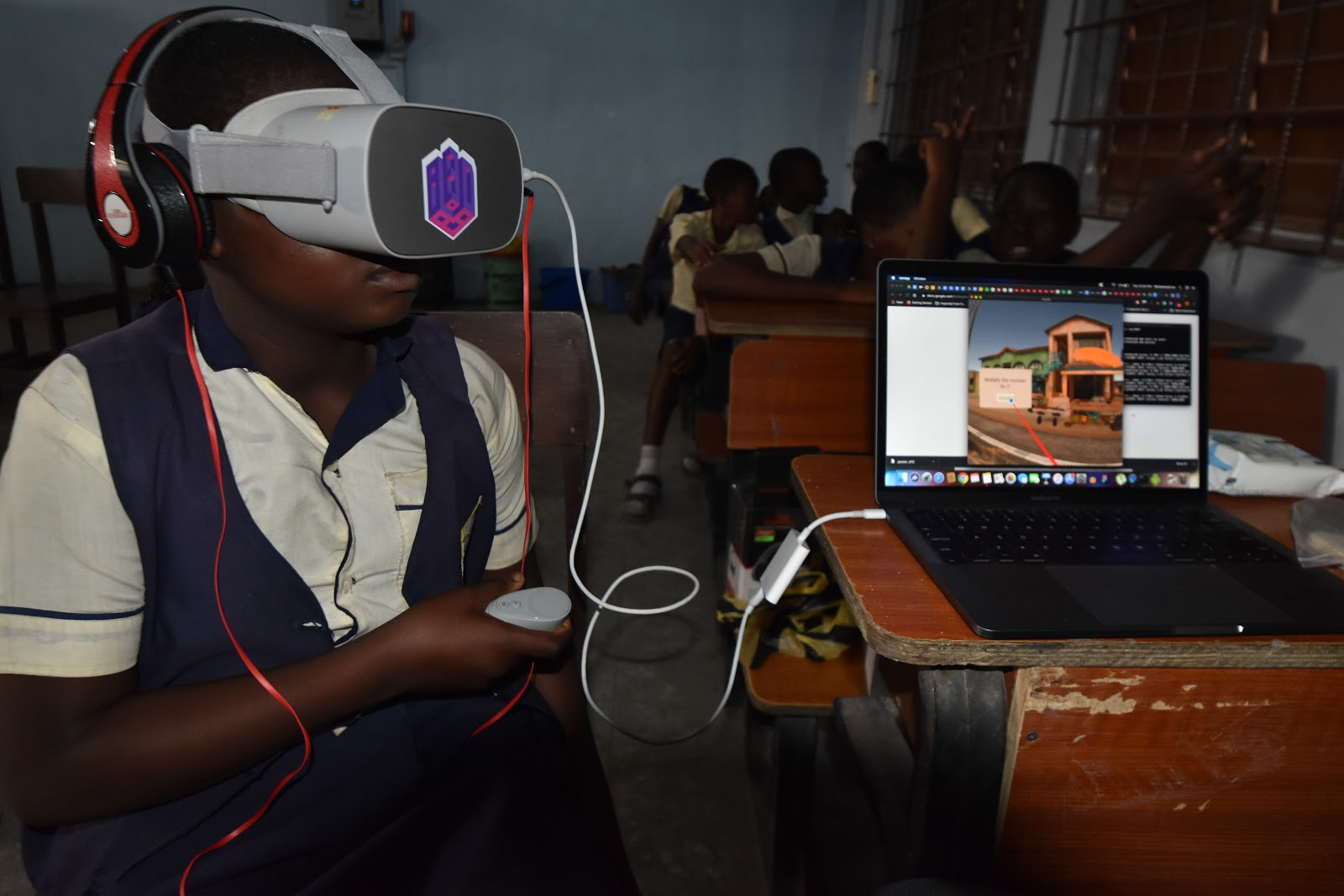 Imisi 3D pilot maths lessons with Virtual Reality in Lagos public school