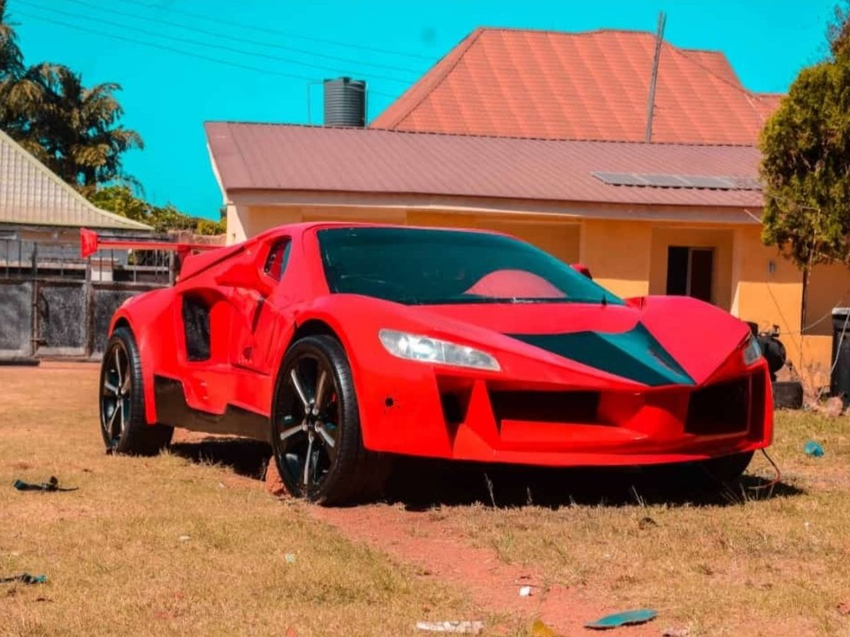 25 Year Old Nigerian Designs Builds And Unveils Nigerian First Carbon Fiber Sports Car In Jos Photos Brand Spur