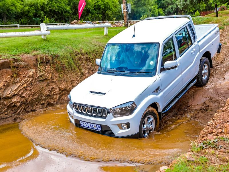 The all-new Mahindra Pik Up S11 Automatic
