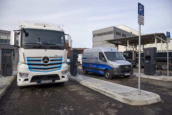 Daimler opens new charging park for electric commercial vehicles - Brand Spur