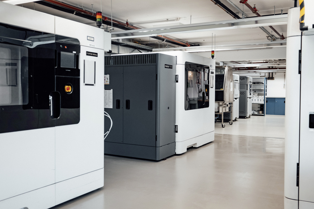 Mercedes-Benz offers support with the production of medical equipment - Brand Spur