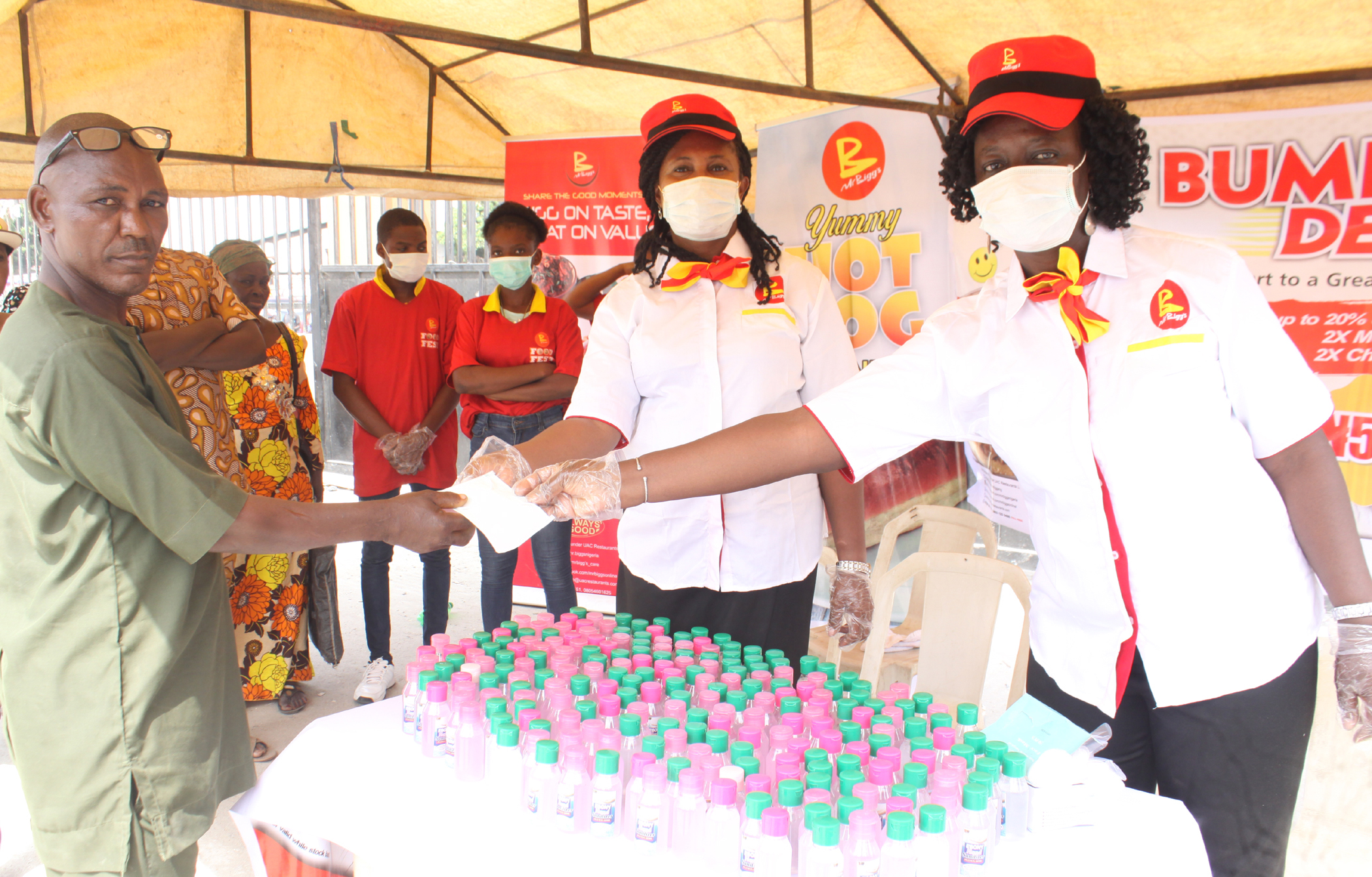 Mr Bigg's gives out over 400 Sanitizers, Nose Mask, Gloves at Ile-Epo Market - Brand Spur