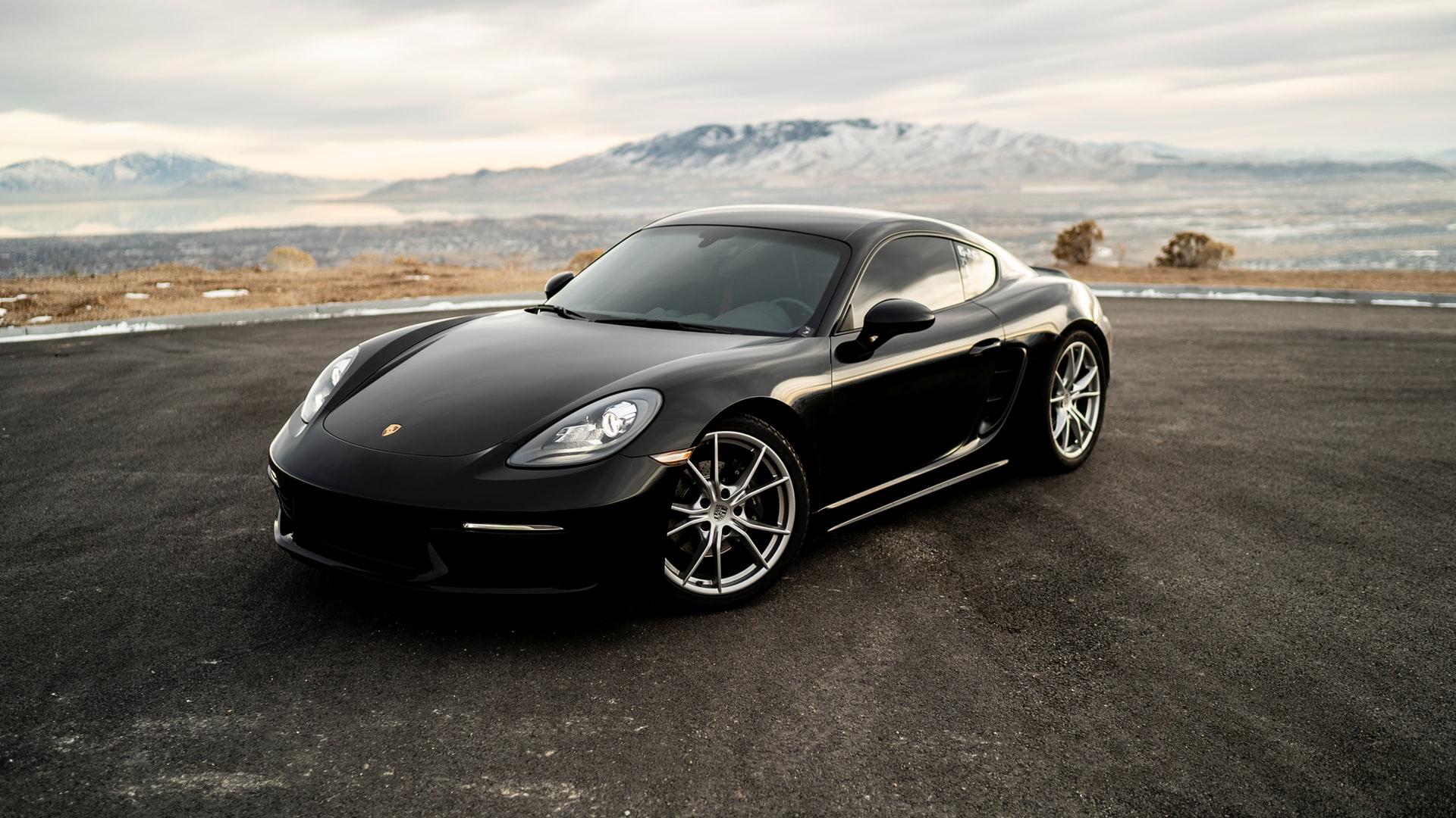 Porsche stops production due to the Coronavirus - Brand Spur