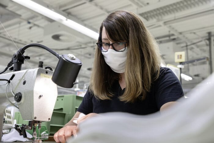 Flexibility in times of COVID-19: Mercedes-Benz Designo Manufaktur Produces Masks For Employees (Photos) - Brand Spur