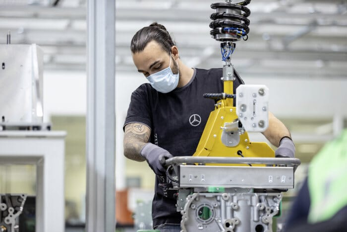 Step by step back to normality: Mercedes-Benz car plants successfully restart production - Brand Spur