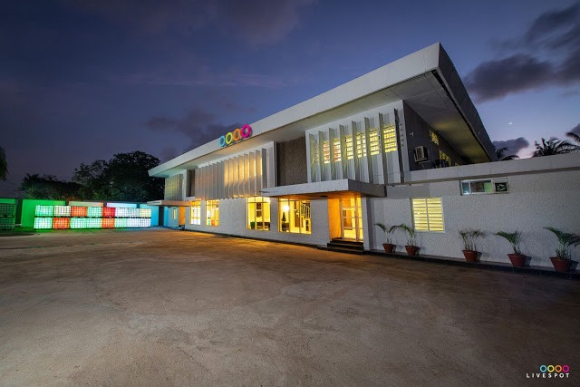 Augmented Reality Shows, Virtual Reality Concerts, And Drive-In Cinemas. Entertainment And Experiences are Set to Take A New Shape After COVID-19 - Brand Spur