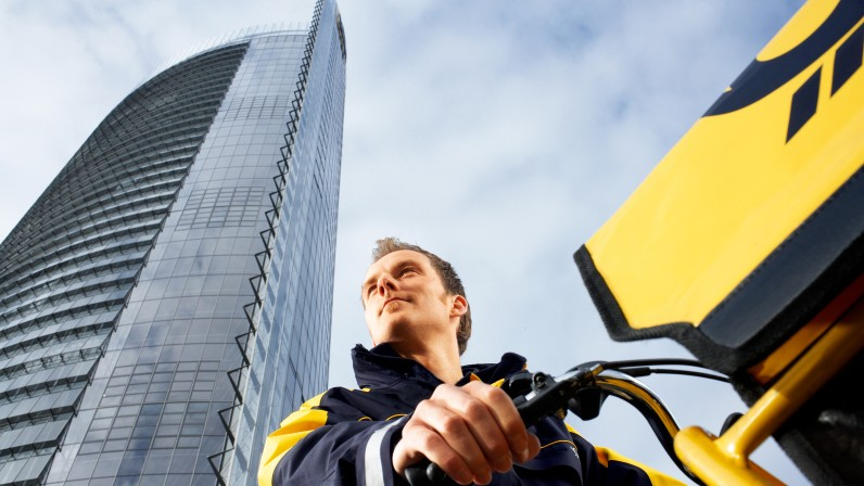German FG stimulus package roll out: Deutsche Post and DHL pass on VAT reduction to customers
