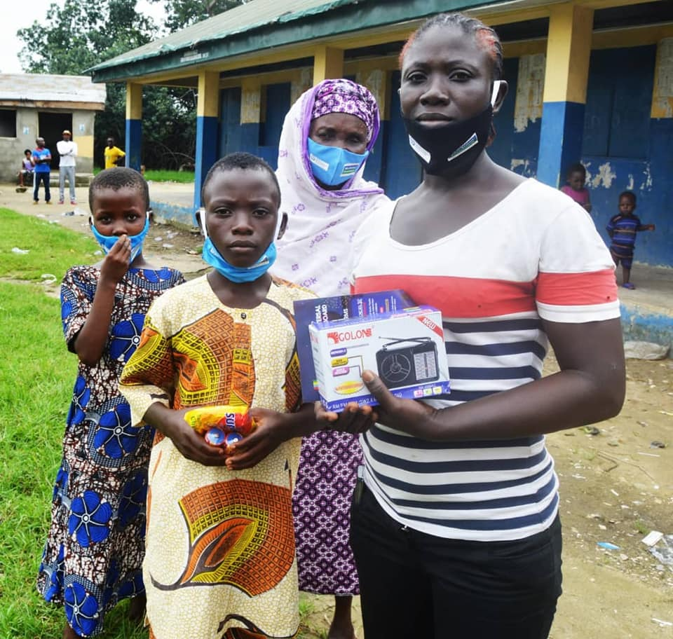 LASUBEB, HDI Distribute Handheld Radio to Pupils (Photos) - Brand Spur