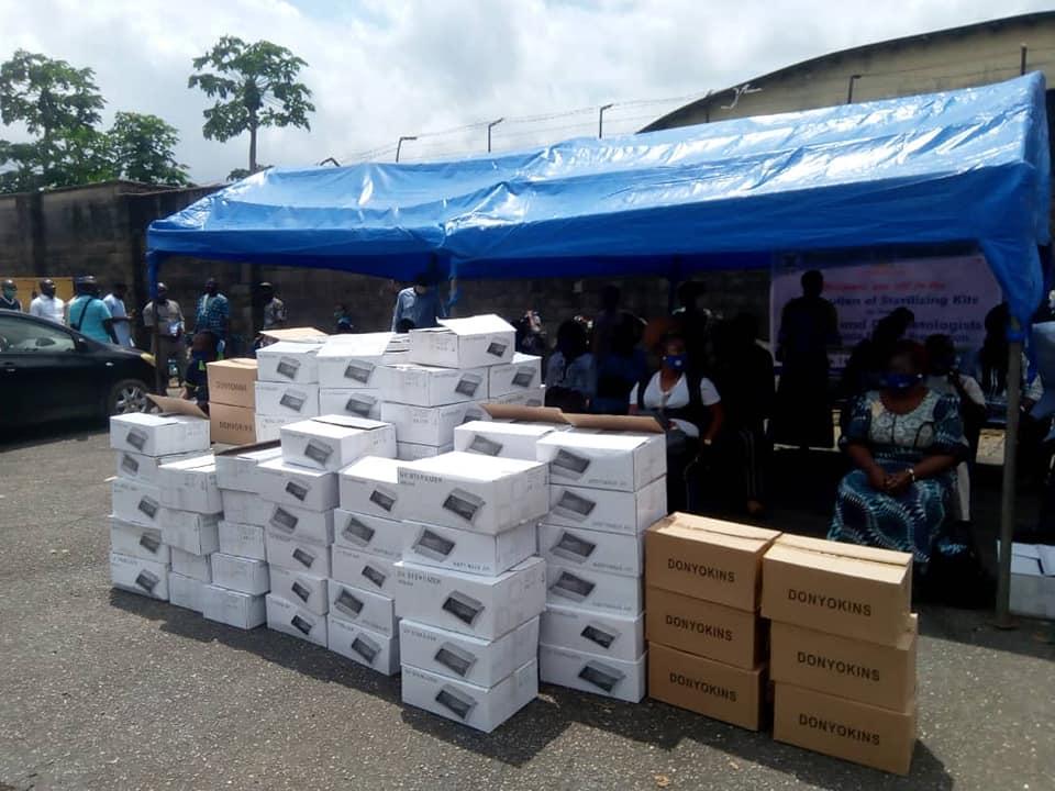Lagos Distributes 1500 Sterilising Kits to Barbers, Cosmetologists (Photos) - Brand Spur