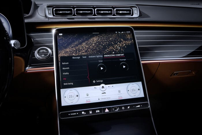 "Meet the S-Class DIGITAL: ""Luxury & Well-Being"": Personal wellness oasis: Comfortable travel while staying fit"
