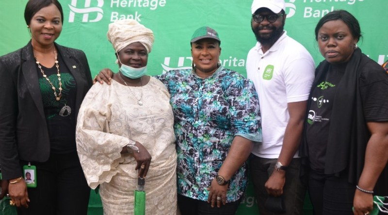 Heritage Bank, FAMO Give Palliatives To 300 Private School Teachers, SMEs (Photos)