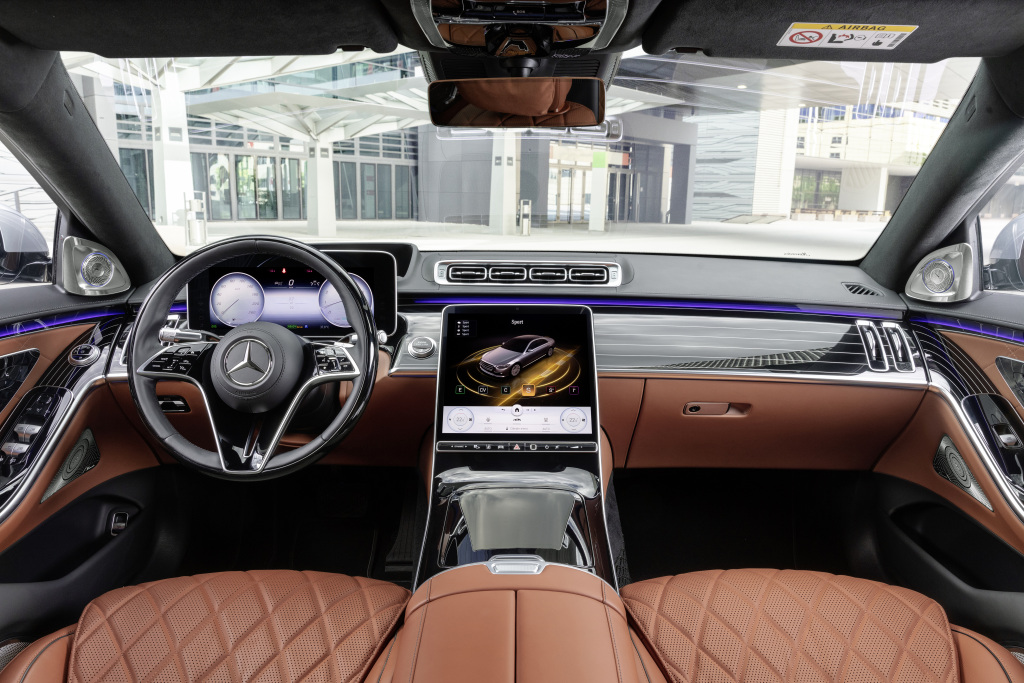 The new Mercedes-Benz S-Class: Automotive luxury experienced in a completely new way - Brand Spur