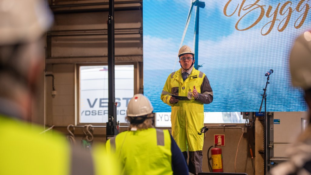 Construction starts on the world's largest floating offshore wind farm brandspurng