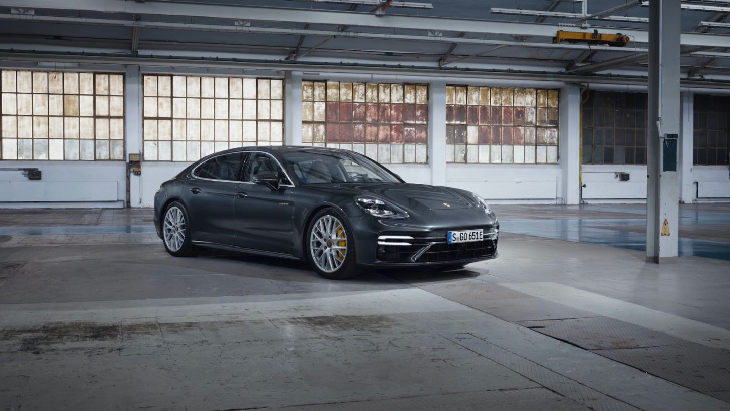 Porsche launches new Panamera models Brandspurng1