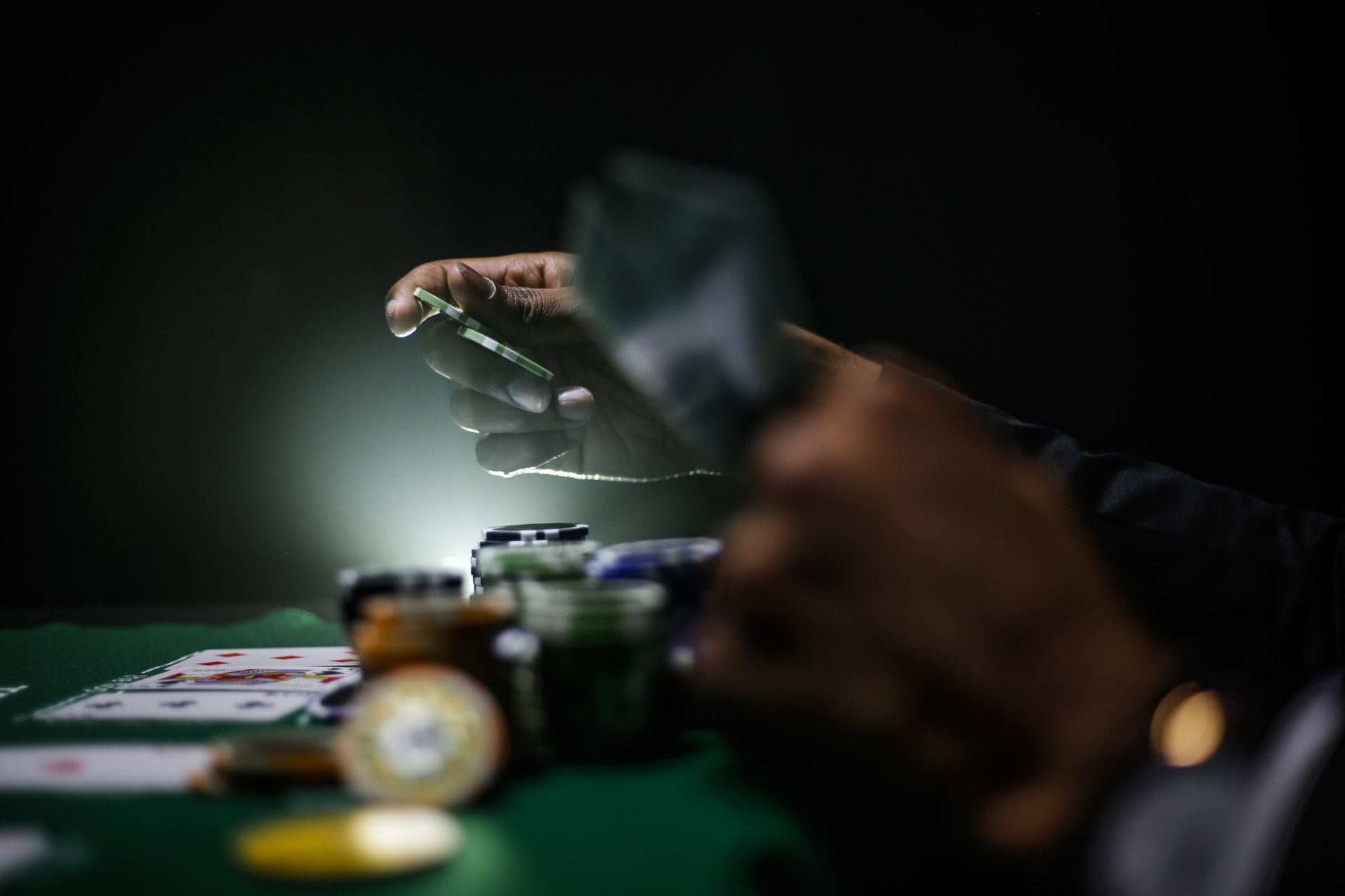 US casino hotel sector's market size shrunk by 35% with shift to online gambling