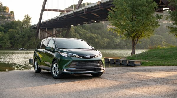 2021 Toyota Sienna Wins Family Green Car of the Year™