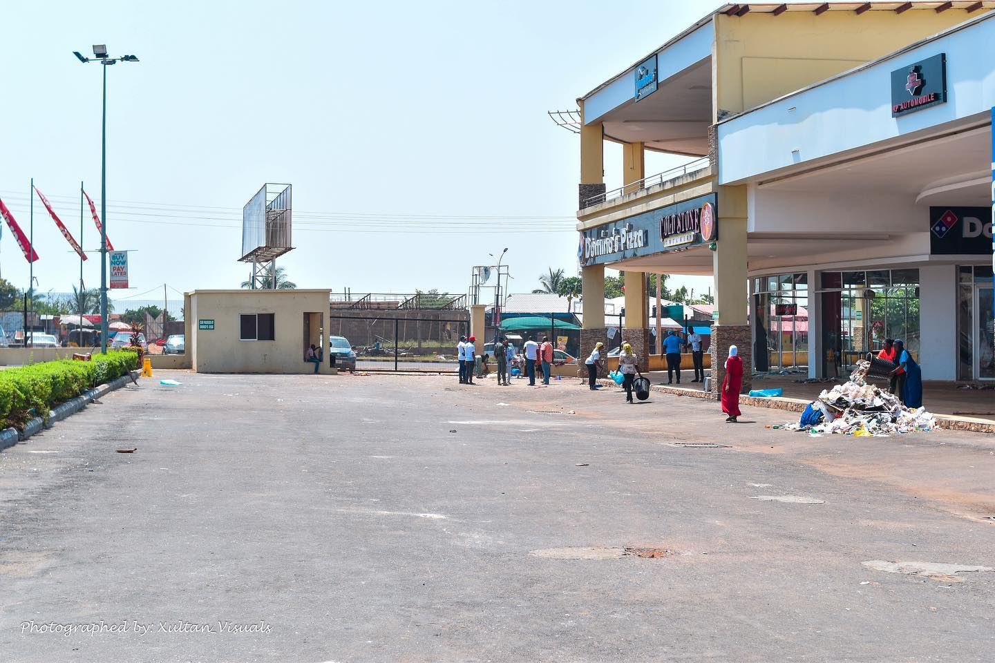 Kwara Mall Looting - Before and after the clean up Brandspurng9