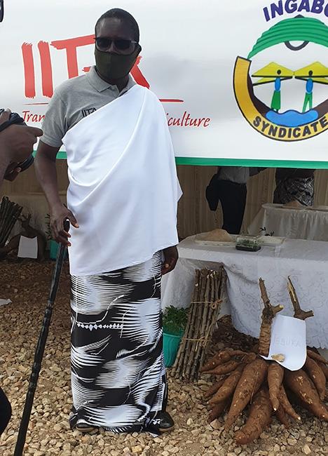 Rwandan farmers name new cassava varieties during the Cassava Week
