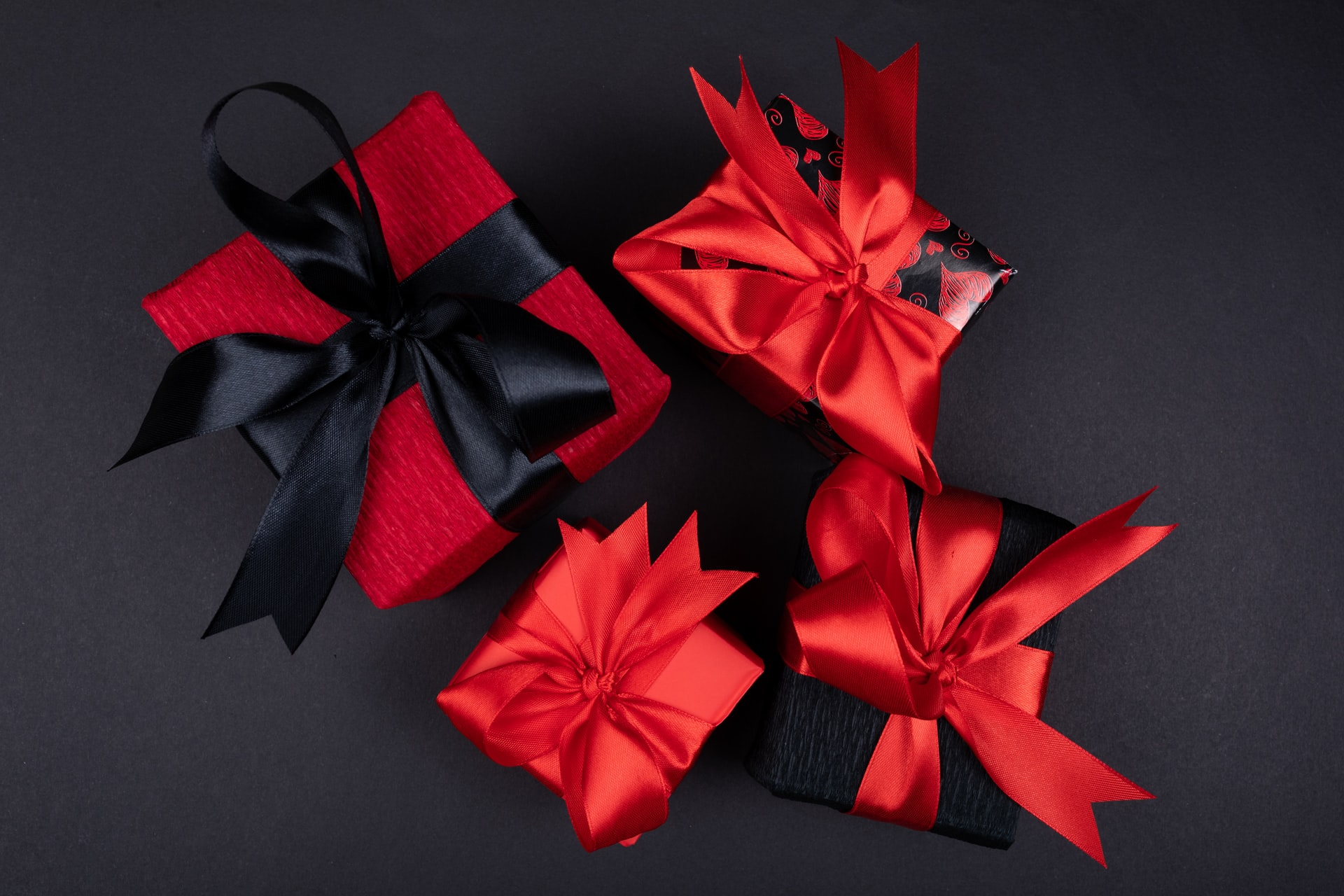 5 Protein-inspired Gifts to Give Out this Christmas Brandspurng3