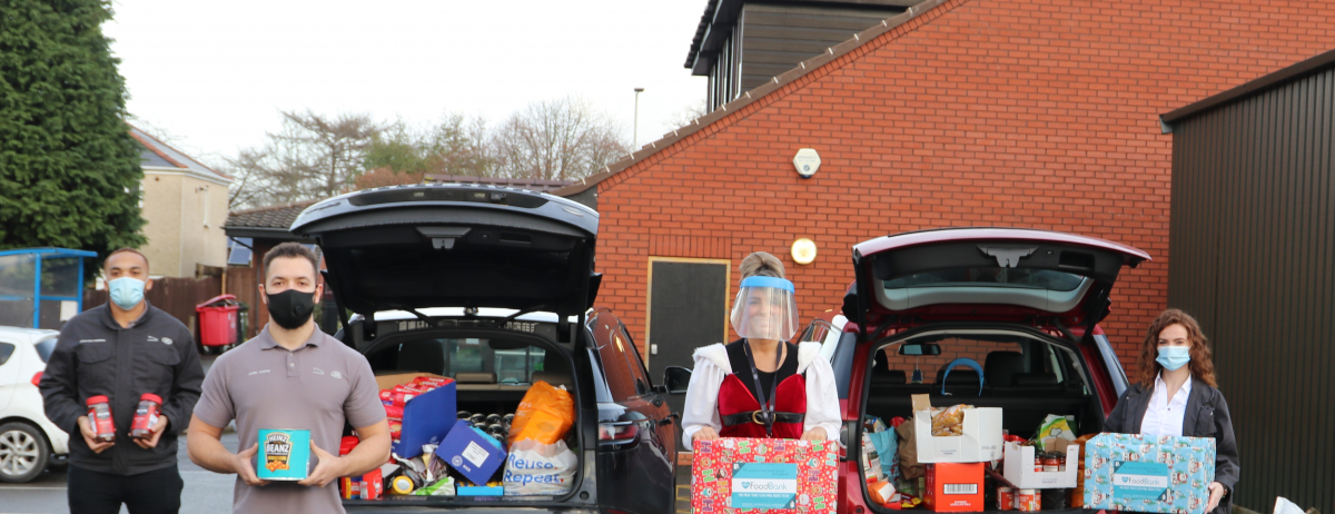 Jaguar Land Rover Employees Donate Christmas Food To Vulnerable Families Brandspurng