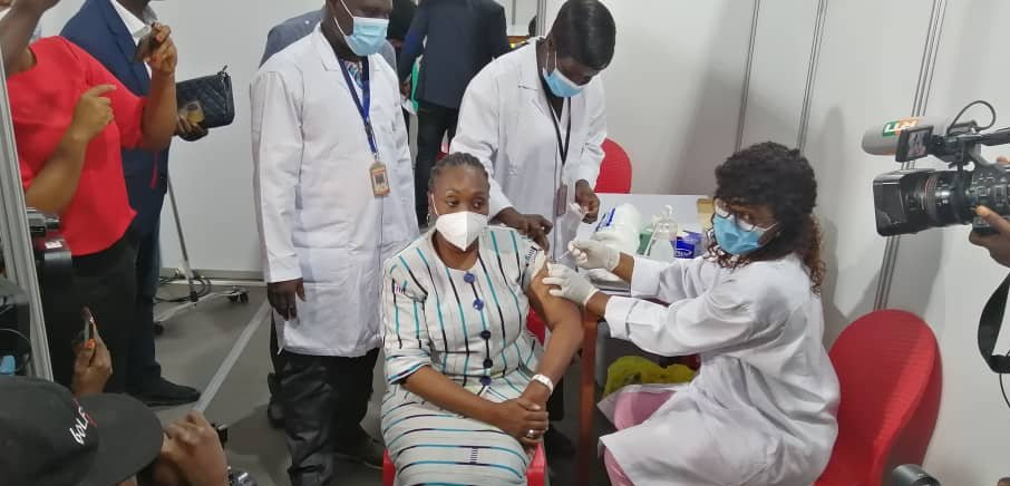 First COVID-19 COVAX vaccine doses administered in Africa Brandspurng1