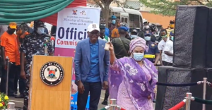 Governor Sanwoolu Gives Veteran Actress, Iya Awero A 3-Bedroom Flat (VIDEO)