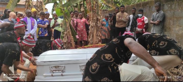 Popular Nigerian Blogger, Doris Kamuche 'Adalgbo' Buried Amidst Tears Brandspurng1