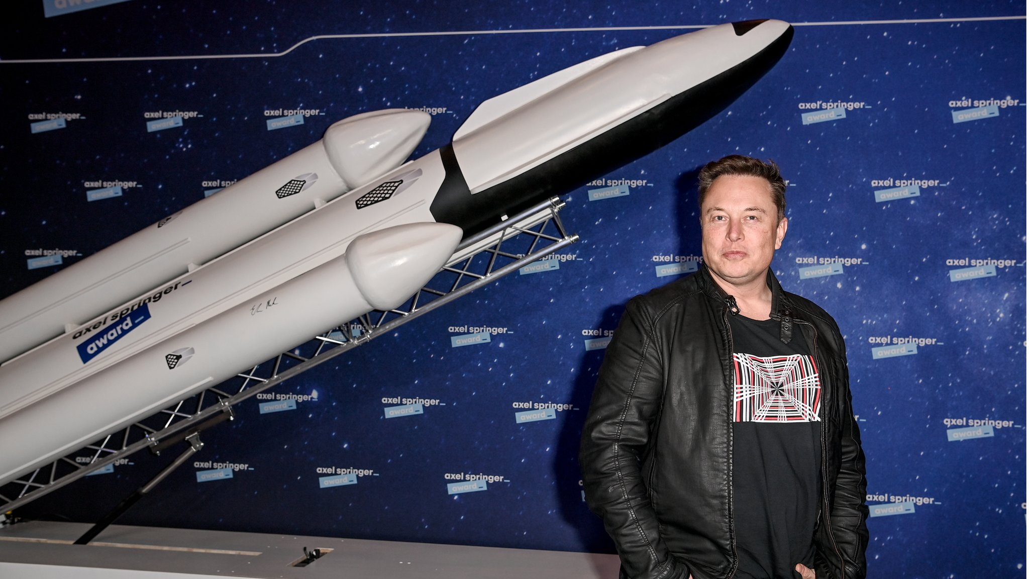 SpaceX Valuation Jumps by 60% to $74 Billion Following $850 Million Funding Round brandspurng